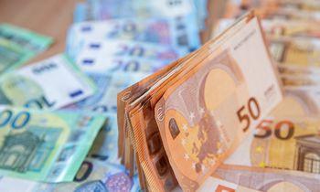 Entuziazmas dėl ES susitarimo pašokdino eurą į beveik 2 metų aukštumas