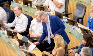 Seimo valdybanelinkusi dėl J. Narkevičiaus kreiptis į teismą