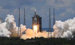Kinija paleido raketą, turinčią iškelti pirmąjį šalies Marso tyrimų aparatą