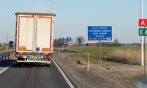 Naujassprendimas vežėjams sumažins skambučių paklausti, ar vilkikas jau kirto sieną