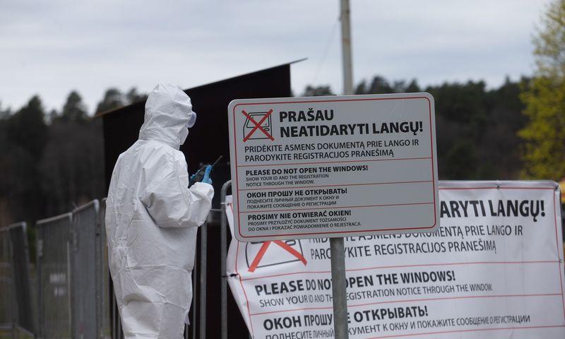 Mobilus koronaviruso patikros punktas Vilniuje, Valakampiuose. Juditos Grigelytės (VŽ) nuotr.