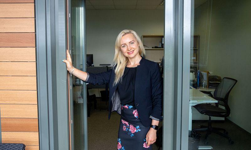 """Lina Taranenko, draudimo UABDD """"Marsh Lietuva"""" sveikatos ir gyvybės grupės vadovė, sako, kad viena didžiausių motyvavimo tendencijų Lietuvoje – rūpinimasis darbuotojų psichologine būsena. Juditos Grigelytės (VŽ) nuotr."""