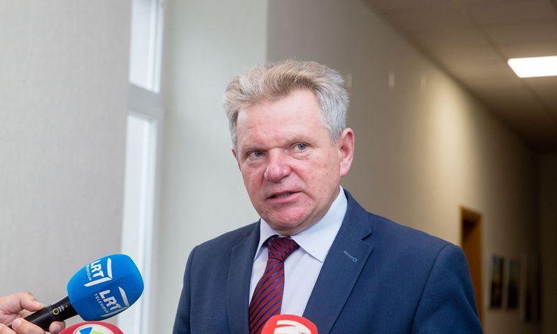 Jaroslavas Narkevičius penktadienį susitiko su LAKD ir Lietuvos pašto vadovais. Juditos Grigelytės (VŽ) nuotr.