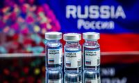 Rusija spalį planuoja masinius skiepus nuo koronaviruso, epidemiologai skeptiški