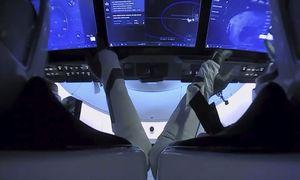 """Duastronautai grįžta į Žemę su""""SpaceX"""""""