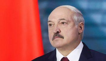 Dreba paskutinio Europos diktatoriaus valdžios pamatai