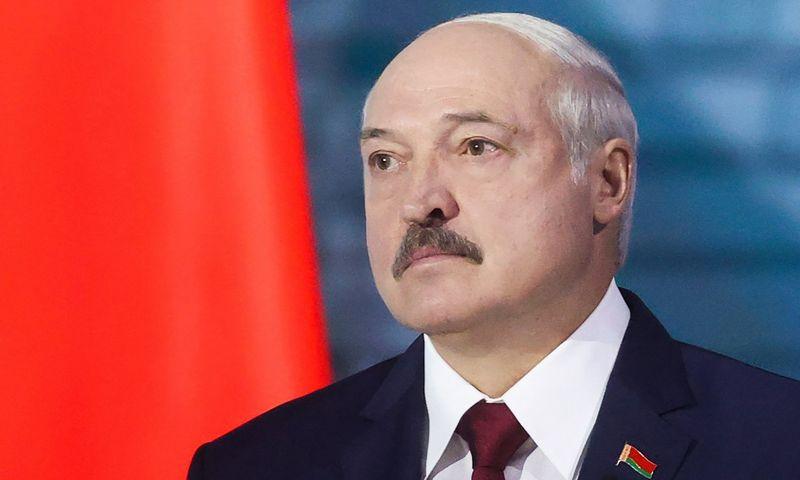 """Aliaksandras Lukašenka, Baltarusijos prezidentas, susidūrė su precedento neturinčiu visuomenės spaudimu surengti laisvus rinkimus. Nikolajaus Petrovo (TASS / """"Scanpix"""") nuotr."""