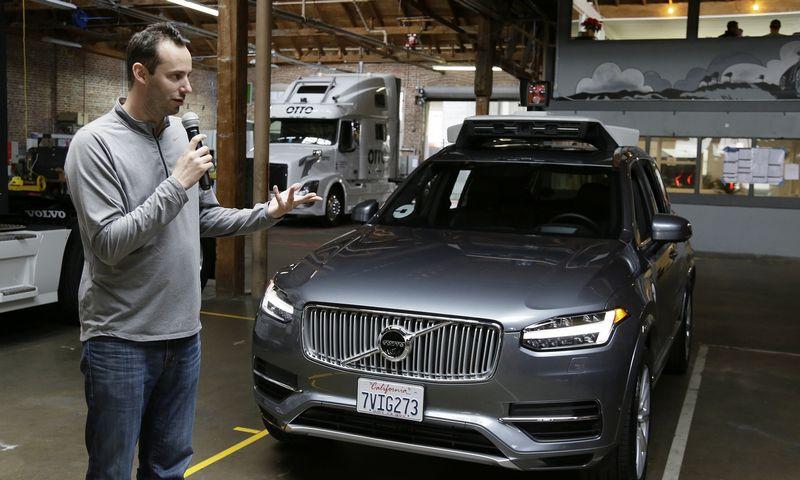 """Anthony Levandowskis, buvęs """"Uber"""" savaeigių automobilių padalinio vadovas, už komercinių paslapčių vagystę neišvengė kalėjimo. Erico Risbergo (""""AP Photo""""/""""Scanpix"""") nuotr."""