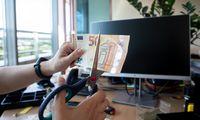 Parduodant darbdavio dovanotas akcijas užgula papildomi mokesčiai