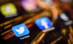 """""""Twitter"""" ir """"Facebook"""" imsis naujų žingsnių, kad užkirstų kelią manipuliavimui rinkėjais"""
