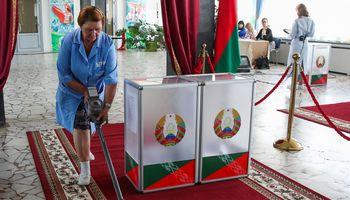 Baltarusijoje sulaikyta daugybė žmonių, nepasiekiamos šalies naujienų svetainės