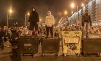 Baltarusija nerimsta trečią naktį