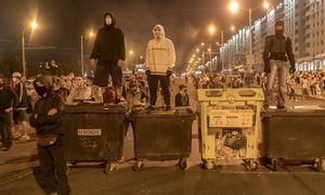 Trečias neramumųvakaras Baltarusijoje: protestuotojai keičia taktiką, trauktis neketina
