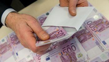 Statybos įmonei ir jos direktoriui – baudos dėl nuslėptų beveik 33.000 Eur