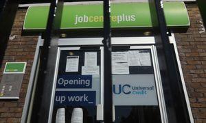Užimtumo smukimas Jungtinėje Karalystėje – didžiausias nuo 2009 metų