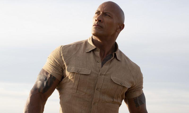 """Dwayne'as Johnsonas """"Uola"""" nuo 2019 m. birželio iki šių metų vasaros pradžios uždirbo 87,5 mln. USD. (""""Capital Pictures""""/""""Scanpix"""") nuotr."""