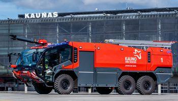 Kauno oro uostas įsigijo naujus priešgaisrinės tarnybos automobilius