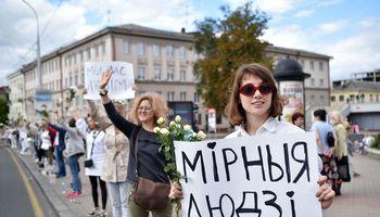 Lietuvos žurnalistai reiškia paramą persekiojamiems kolegoms Baltarusijoje