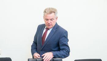 Prokurorai ragina J. Narkevičių atšaukti finansavimą kelio į Aluoną remontui