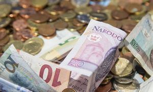 Lenkiją ištiko pirmoji recesija po komunizmo eros pabaigos