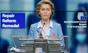 EK vadovė U. von der Leyen ragina paskelbti sankcijų Baltarusijai