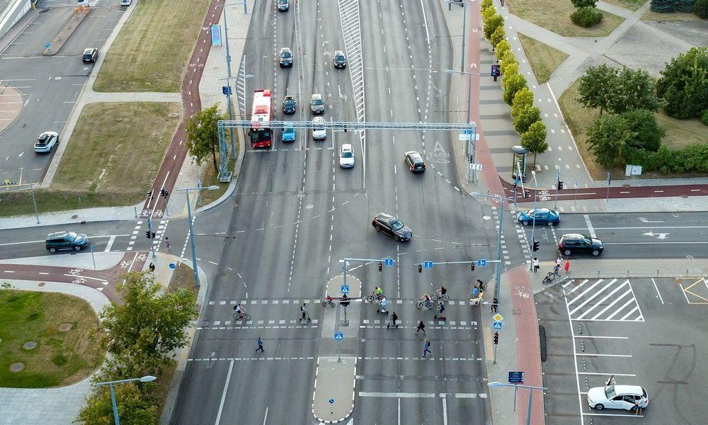 Vilnius ruošiasi rugsėjui: eismo valdymo naujienos ir patarimai judantiems po miestą
