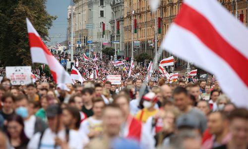 Tūkstančiai baltarusiųdalyvavo Vienybės mitinge
