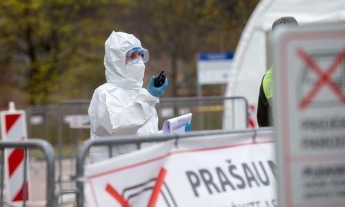 Lietuvoje patvirtinti 43 nauji koronaviruso atvejai, dauguma jų siejami su židiniais