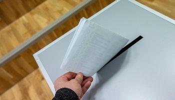 Kandidatai į Seimą oficialiai įregistruoti, išankstinio balsavimo laikas pailgintas