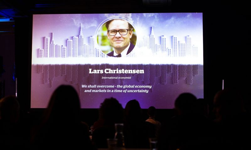 """Baltijos NT investicijų forumas. Larsas Christensensas, ekonomistas, """"Markets & Money Advisory"""" vadovas ir įkūrėjas. Vladimiro Ivanovo (VŽ) nutor."""