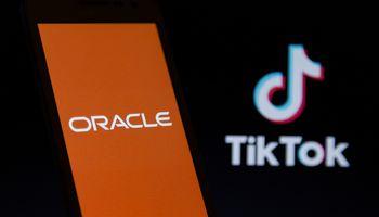"""""""Oracle"""" tampa """"TikTok"""" """"technologiniu partneriu"""" JAV"""