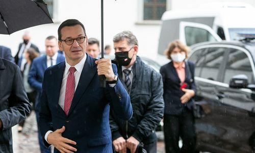 Lenkijos premjeras siūlo ES kurti milijardo eurų paramos Baltarusijai fondą