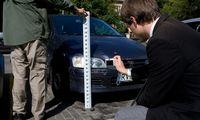 Pandemija aptirpdė automobilių draudimo kainas