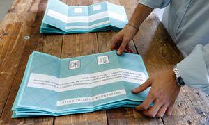 Italai balsavo už parlamentarų skaičiaus mažinimą – preliminarūs rezultatai
