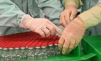 Ministras: Vyriausybė priims sprendimus dėl COVID-19 vakcinų įsigijimo, bet rizikų daug