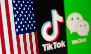 """JAV teisėjas užblokavo draudimą parsisiųsti """"WeChat"""""""