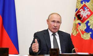 """V. Putinas ragina JAV apsikeisti """"nesikišimo"""" į rinkimus garantijomis"""