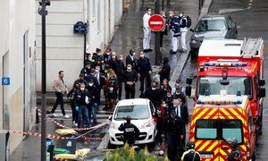 """Paryžiuje šalia buvusios """"Charlie Hebdo"""" redakcijos peiliu subadyti keturi žmonės"""