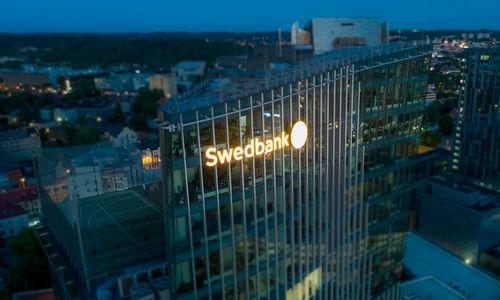 """""""Swedbank"""" atnaujina verslo mokėjimo kortelių dizainą"""