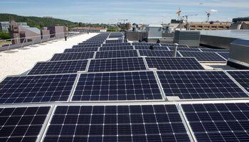"""""""Ignitis gamyba"""" įrengė didžiausią saulės elektrinę Lietuvoje"""