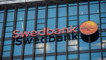 """Vis dar sutrikusi vertybinių popierių prekyba per """"Swedbank"""""""
