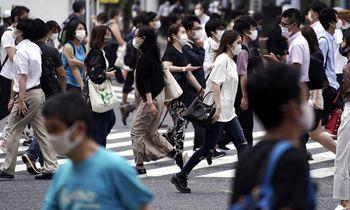 Virusologas P. Piotas: žengiame į pandemijų amžių