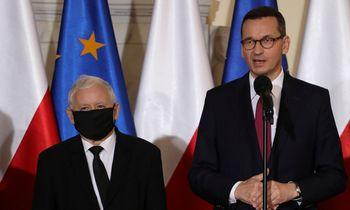 Po Lenkijos ministrų kabineto pertvarkymo vicepremjeru paskirtas J. Kaczynskis