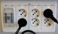 Liberalizuojant elektros rinką svarstoma suteikti daugiau laiko pasirinkti tiekėjus