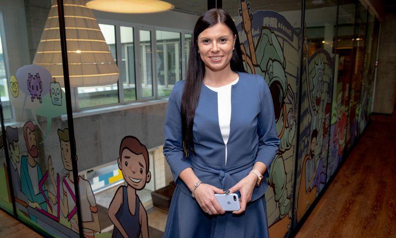 """Indrė Sakalauskienė, """"Danske Bank"""" žmogiškųjų išteklių strategijos partnerė, sako, kad lankstumas ir galimybė rinktis saugią aplinką darbui tapo vienu iš labai svarbių kandidatų lūkesčių. Vladimiro Ivanovo (VŽ) nuotr."""