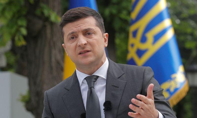 """Ukrainos prezidentas V. Zelenskis. Sergey Dolzhenko (""""Pool"""" / """"Reuters"""" / """"Scanpix"""") nuotr."""