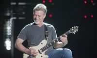 Mirė roko legenda E. Van Halenas