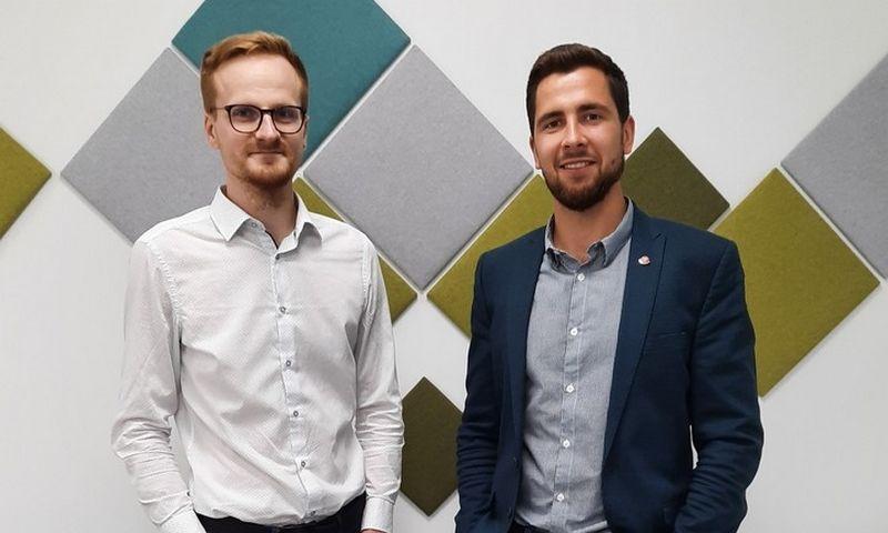 """Benas Dobrikas ir Emilis Markulis (dešinėje), """"Getfix"""" įkūrėjai. Bendrovės nuotr."""