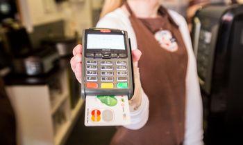 Kiek bankųsąskaitų ir mokėjimo kortelių turite?