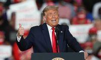 J. Bidenas ir D. Trumpas surengė netiesioginę dvikovą svyruojančiose valstijose